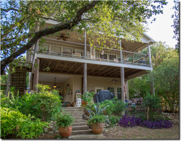 Lakeside B&B Offers Unique Austin Experience: Robin'sNest
